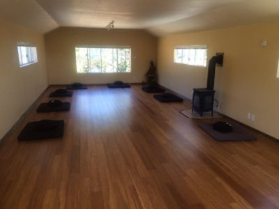 zazen-retreat-zendo